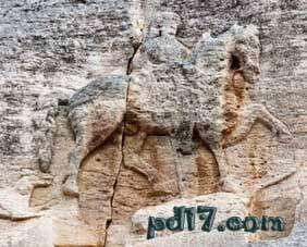 奇特的悬崖上的建筑Top8:马达腊骑士