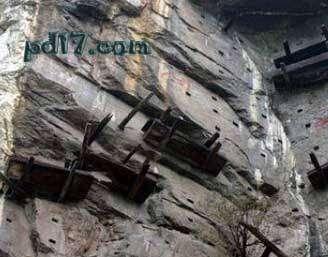 奇特的悬崖上的建筑Top1:四川悬棺
