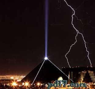 人工做出的巨大设施设备Top4:卢克索天空束