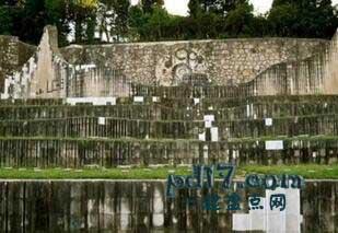 波黑特殊的景点Top8:党纪念公墓