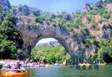 世界上著名的自然拱门Top8:蓬特拱门